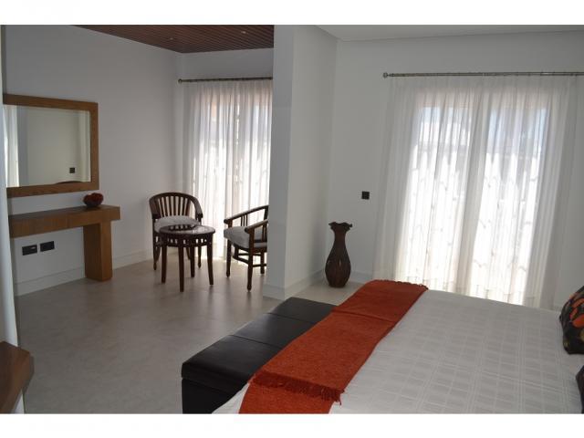 Master bedroom ensuite - Large Villa (Sleeps 10), Puerto del Carmen, Lanzarote